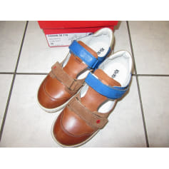 96a86a73443d25 Sacs, chaussures, vêtements Kickers Enfant : articles tendance ...
