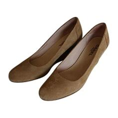 c7b3c03dfa6 Chaussures Carel Femme   articles luxe - Videdressing