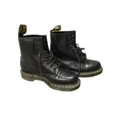 3eebbc3a79f Chaussures Dr. Martens Femme occasion   articles tendance - Videdressing