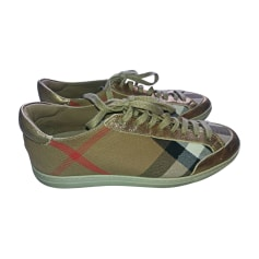 4dcc70a41ec Chaussures Burberry Femme   articles luxe - Videdressing
