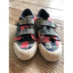 Sneakers 10 IS