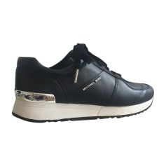 5f8aed5cac9 Chaussures Femme de marque   luxe pas cher - Videdressing