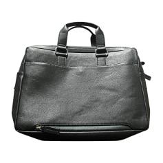 7658c909c6 Sacs & Pochettes en bandoulière Homme de marque & luxe pas cher ...