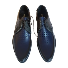 c194ea548382 Chaussures Prada Homme : articles luxe - Videdressing