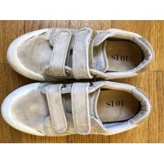 Schuhe mit Klettverschluss 10 IS