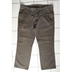 Weitgeschnittene Jeans Wrangler