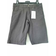 Bermuda Shorts In Extenso