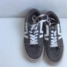 Chaussures de sport Vans  pas cher