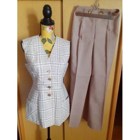 Tailleur pantalon MARQUE INCONNUE blancetet  et beige foncé