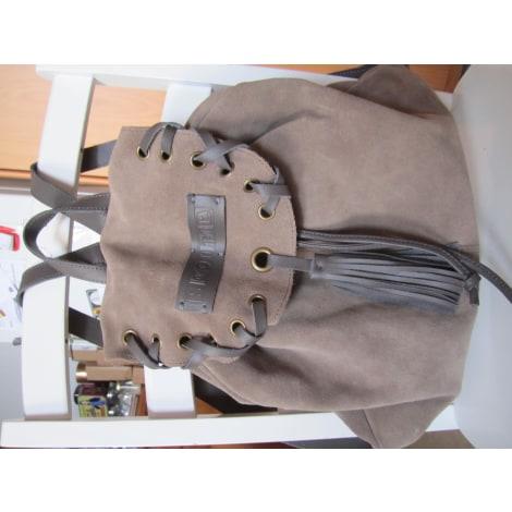 sac dos scooter beige vendu par addictmode 4808862. Black Bedroom Furniture Sets. Home Design Ideas