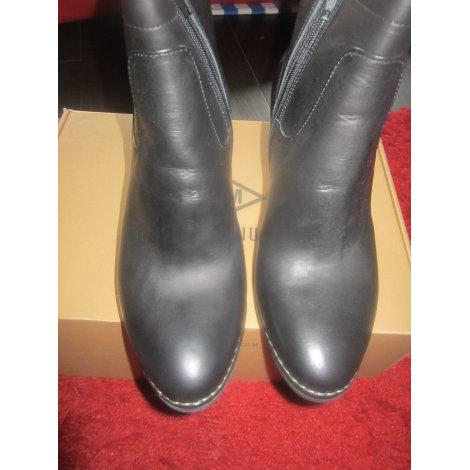 Bottines & low boots à talons PALLADIUM Noir
