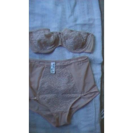 Ensemble, parure lingerie DKNY nude