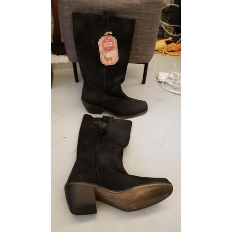 Santiags, bottines, low boots cowboy MUSTANG Noir