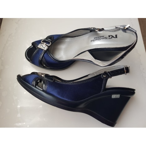 Sandales à talons NERO GIARDINI Noir et Bleu