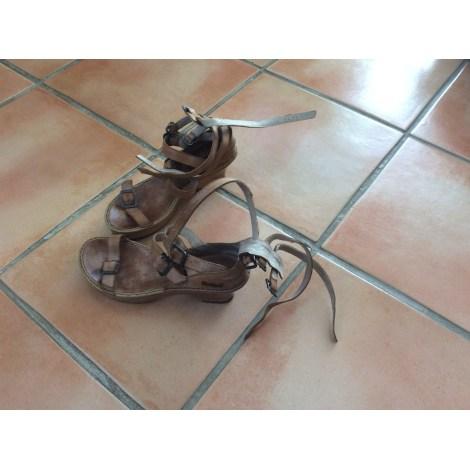 Sandales à talons KICKERS Beige, camel