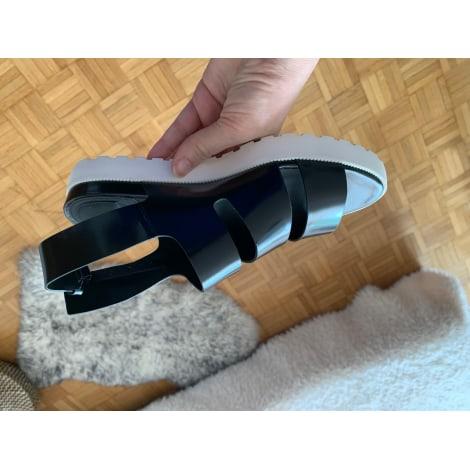 Sandales plates  WHAT FOR Noir