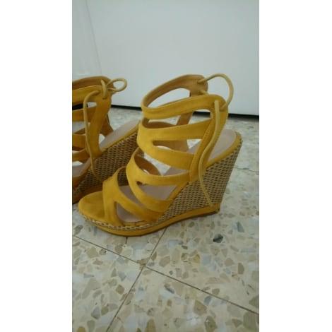 Sandales compensées MARQUE INCONNUE Jaune