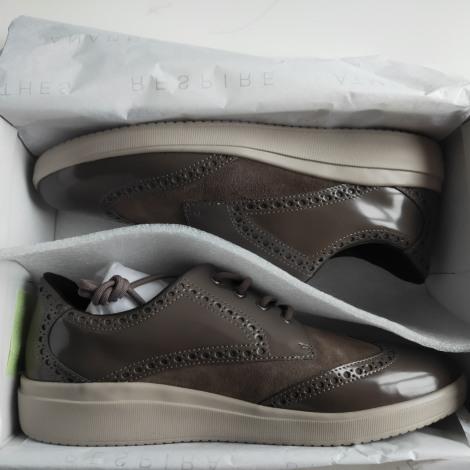 Chaussures à lacets  GEOX Marron