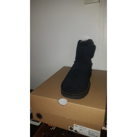 Chaussons & pantoufles UGG Noir