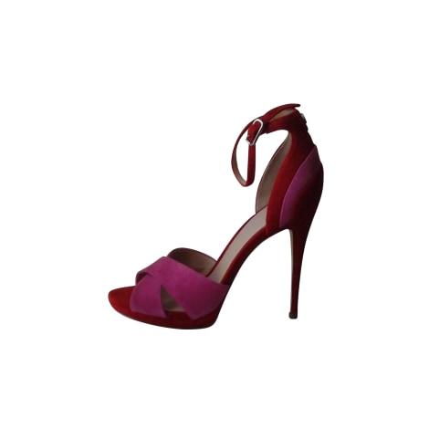 Sandales à talons GUESS Rouge, bordeaux