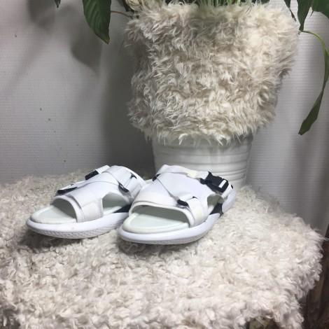 Chaussons & pantoufles SANS MARQUE blanc