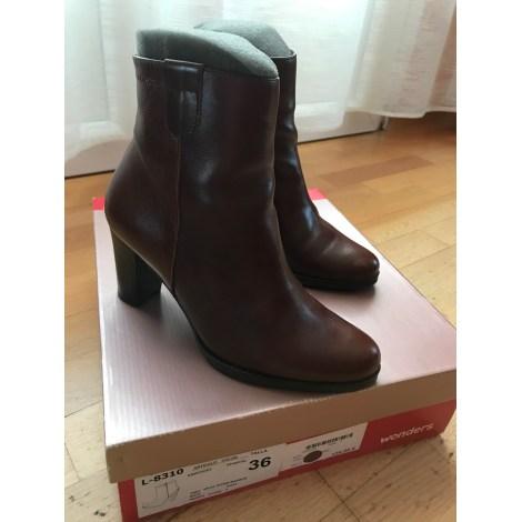 Bottines & low boots à talons WONDERS Marron