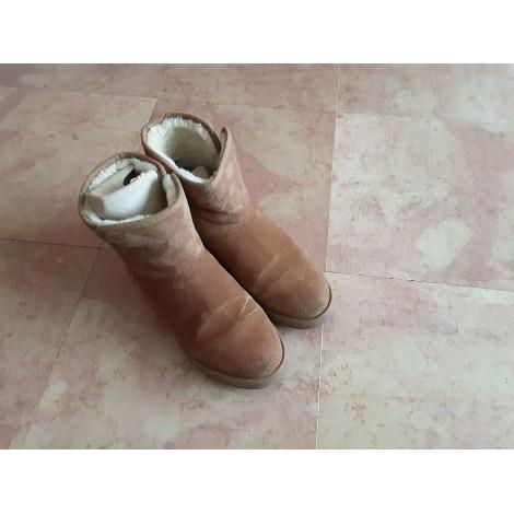 Bottines & low boots plates UGG Beige, camel