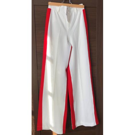 Pantalon très evasé, patte d'éléphant BERSHKA Blanc, blanc cassé, écru
