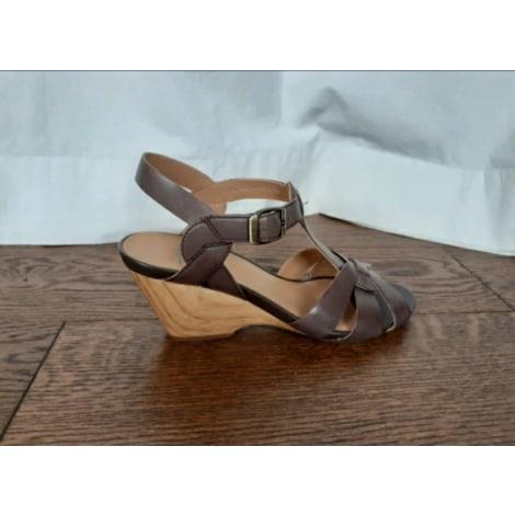 Sandales compensées CLARKS Marron