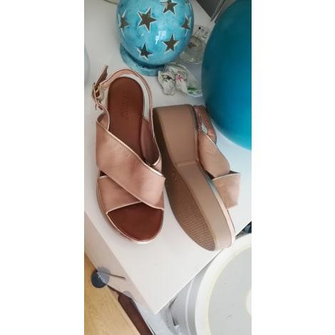 Sandales compensées INUOVO Beige, camel