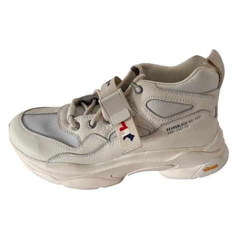 Sneakers MAISON KITSUNÉ Weiß, elfenbeinfarben
