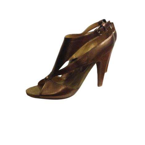 Sandales à talons NINE WEST Doré, bronze, cuivre