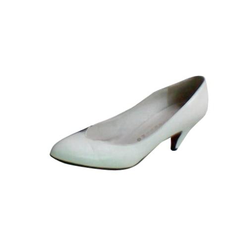 Escarpins VALENTINO Blanc, blanc cassé, écru