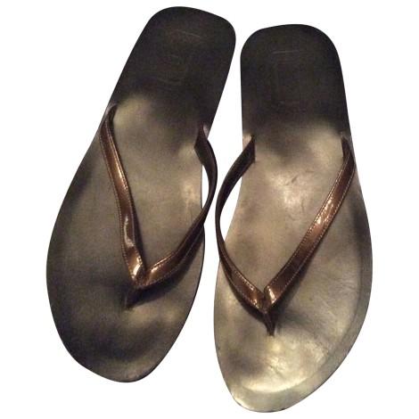 Tongs DOLCE & GABBANA Doré, bronze, cuivre