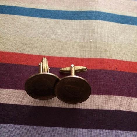 Cufflinks CHARLES TYRWHITT Golden, bronze, copper