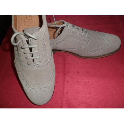 Chaussures à lacets  AIGLE gris taupe clair