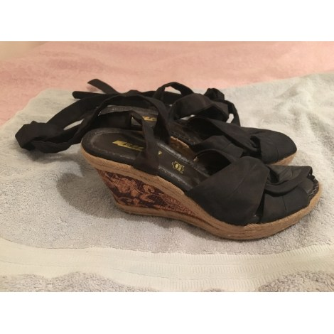 Sandales compensées BEE FLY Marron