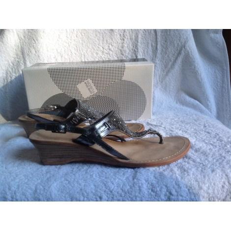 Sandales plates  MARQUE INCONNUE Argenté, acier