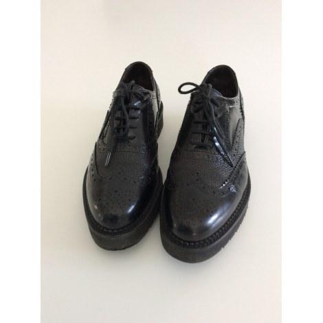 Chaussures à lacets  TRIVER FLIGHT Noir