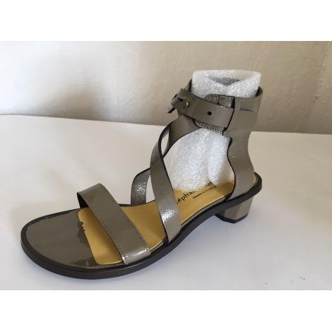 Sandales plates  STÉPHANE GONTARD Marron