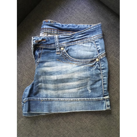 Short STRADIVARIUS Jeans used