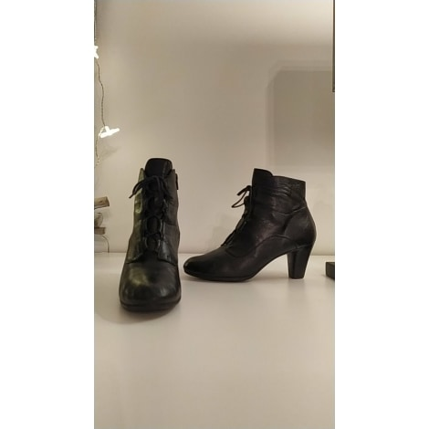 Bottines & low boots à talons WONDERS Noir