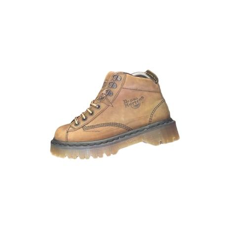 Bottines & low boots à compensés DR. MARTENS Marron