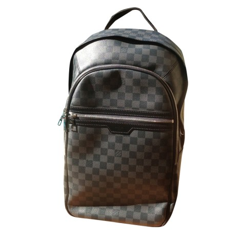 8854298fc42b Sac à dos LOUIS VUITTON noir vendu par Le vide-dressing luxe- - 1488422