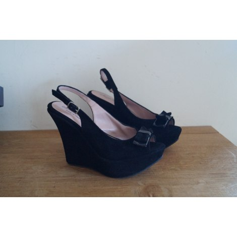 cec57edd48bd Wedge Sandals MORENA GABBRIELLI 35 black new without label sold by ...