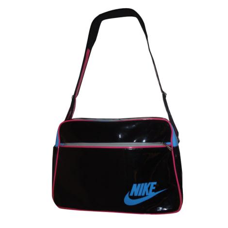 bd86b8cdb5980 Schultertasche Leder NIKE schwarz sehr guter zustand verkauft durch Kenny  296128 - 507286