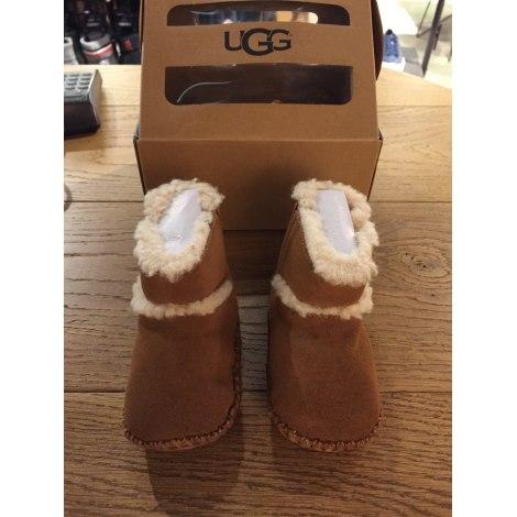 Slippers UGG Beige, camel