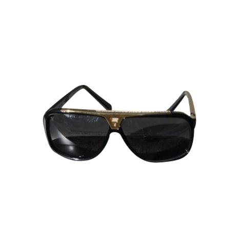 Lunettes de soleil LOUIS VUITTON noir vendu par Le vide-dressing ... 3204e57b8969