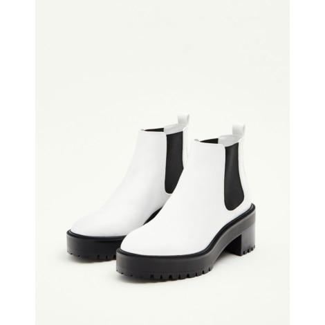 6576862c66667 Bottines   low boots à compensés PULL   BEAR Blanc, blanc cassé, écru