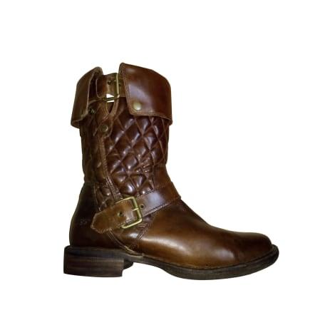 Bottines & low boots à talons UGG Marron